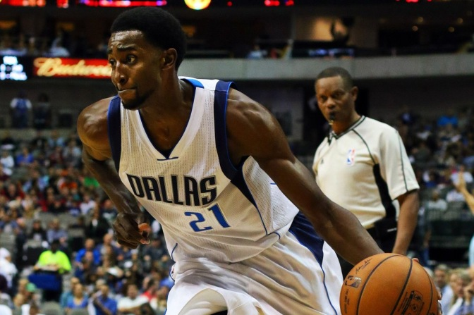 Pacers, Mavs finalizing deal to send Jeremy Evans to Indiana