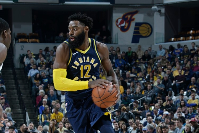 Tyreke Evans gets a wake up call from the Pacers