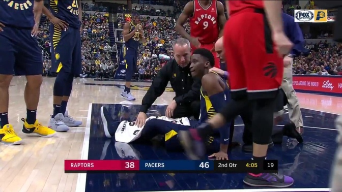 Victor Oladipo suffers knee injury, leaves on stretcher